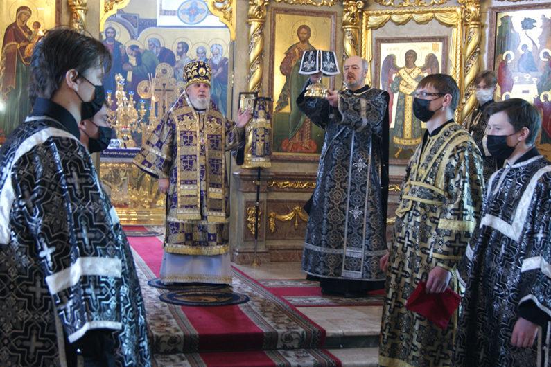 Глава Пермской митрополии совершил первую в наступившем году Литургию Преждеосвященных Даров