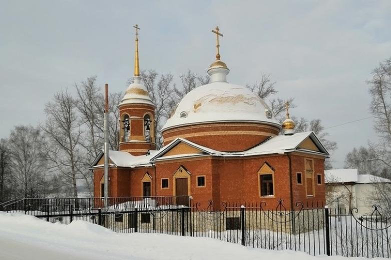Храм великомученика Георгия Победоносца села  Уинское