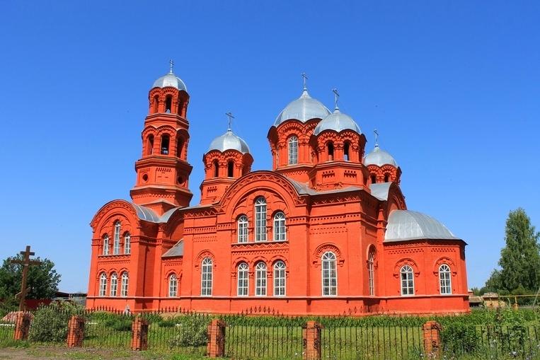 Храм первоверховных апостолов Петра и Павла села  Елово