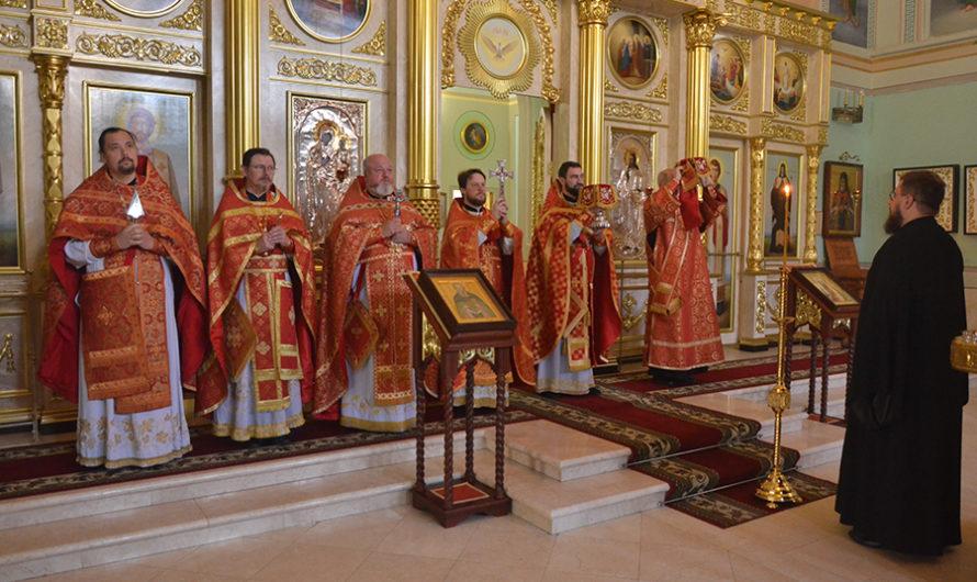 Соборное служение духовенства в день памяти святых равноапостольных братьев Мефодия и Кирилла, учителей Словенских